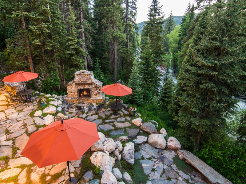 Greystone Manor by Fish Creek with outdoor living space